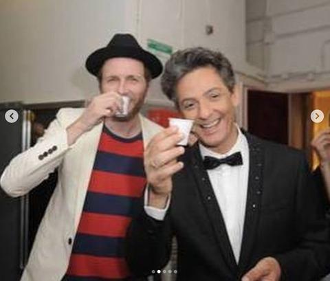 Auguri Matrimonio Jovanotti : Buon compleanno fiorello gli auguri vintage di jovanotti su instagram