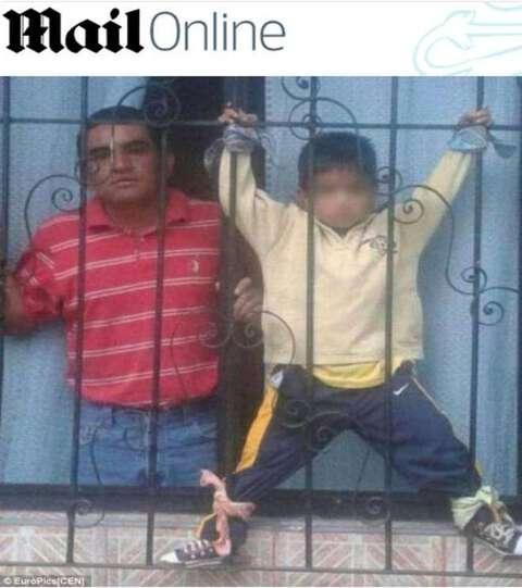 Il bimbo legato fuori dalla finestra - Bimbo gettato dalla finestra ...