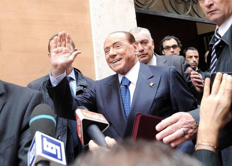 Berlusconi alla riunione dei gruppi parlamentari di forza for Parlamentari forza italia