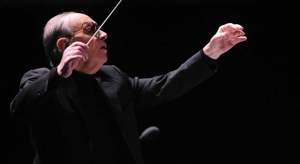 Addio al maestro Ennio Morricone: aveva 91 anni. Fatale una caduta. La famiglia: «Lucido fino alla fine»